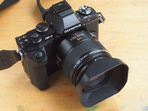 超コンパクト・システムカメラ