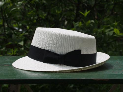 夏の帽子、シニアはやはりこれ