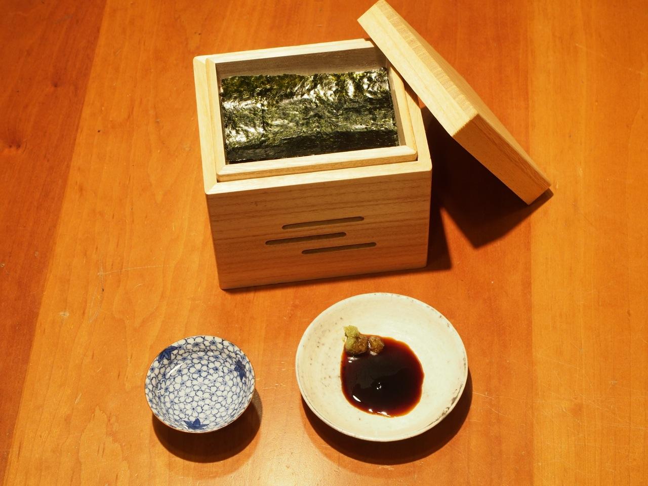 蕎麦屋で一杯の時に使う、酒の肴用の道具