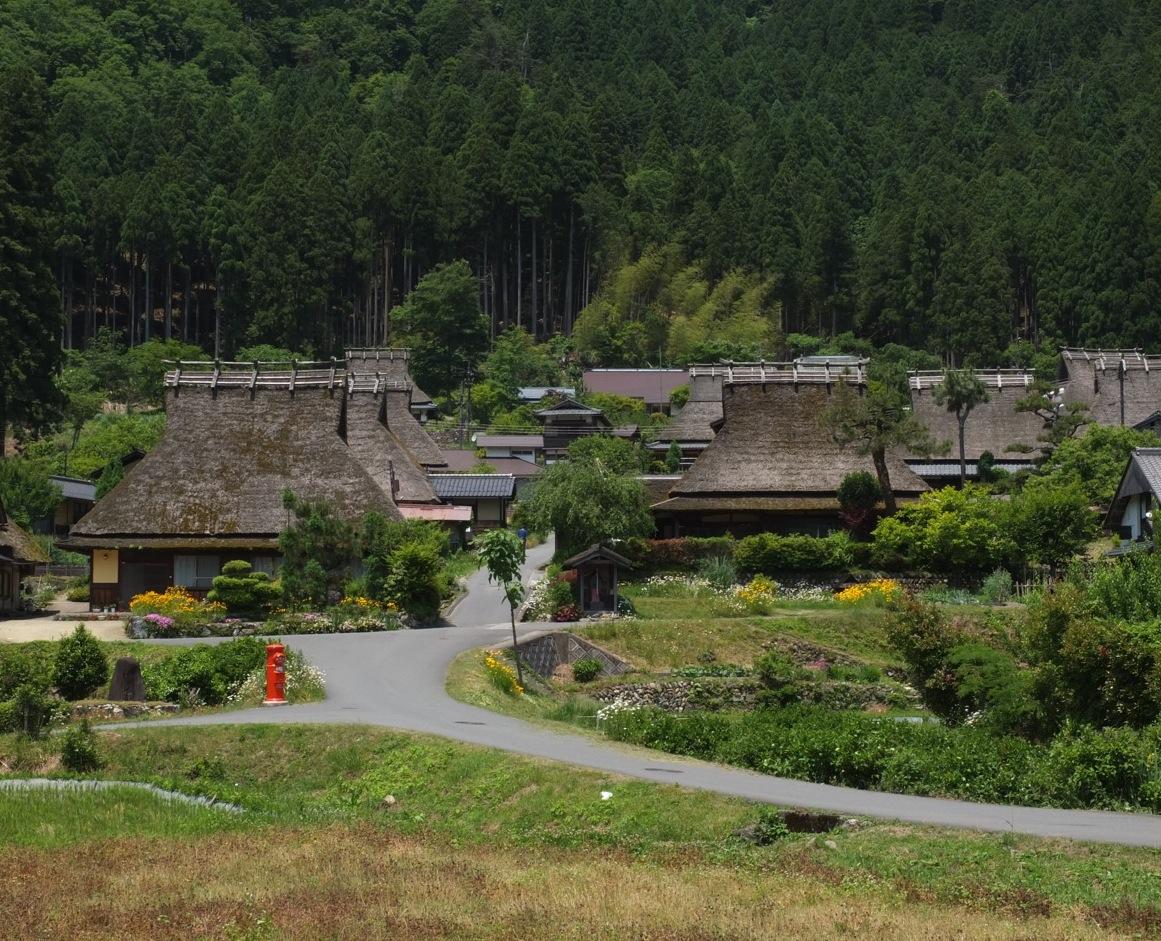 日本の原風景、京都の北に残る美山茅葺き民家群