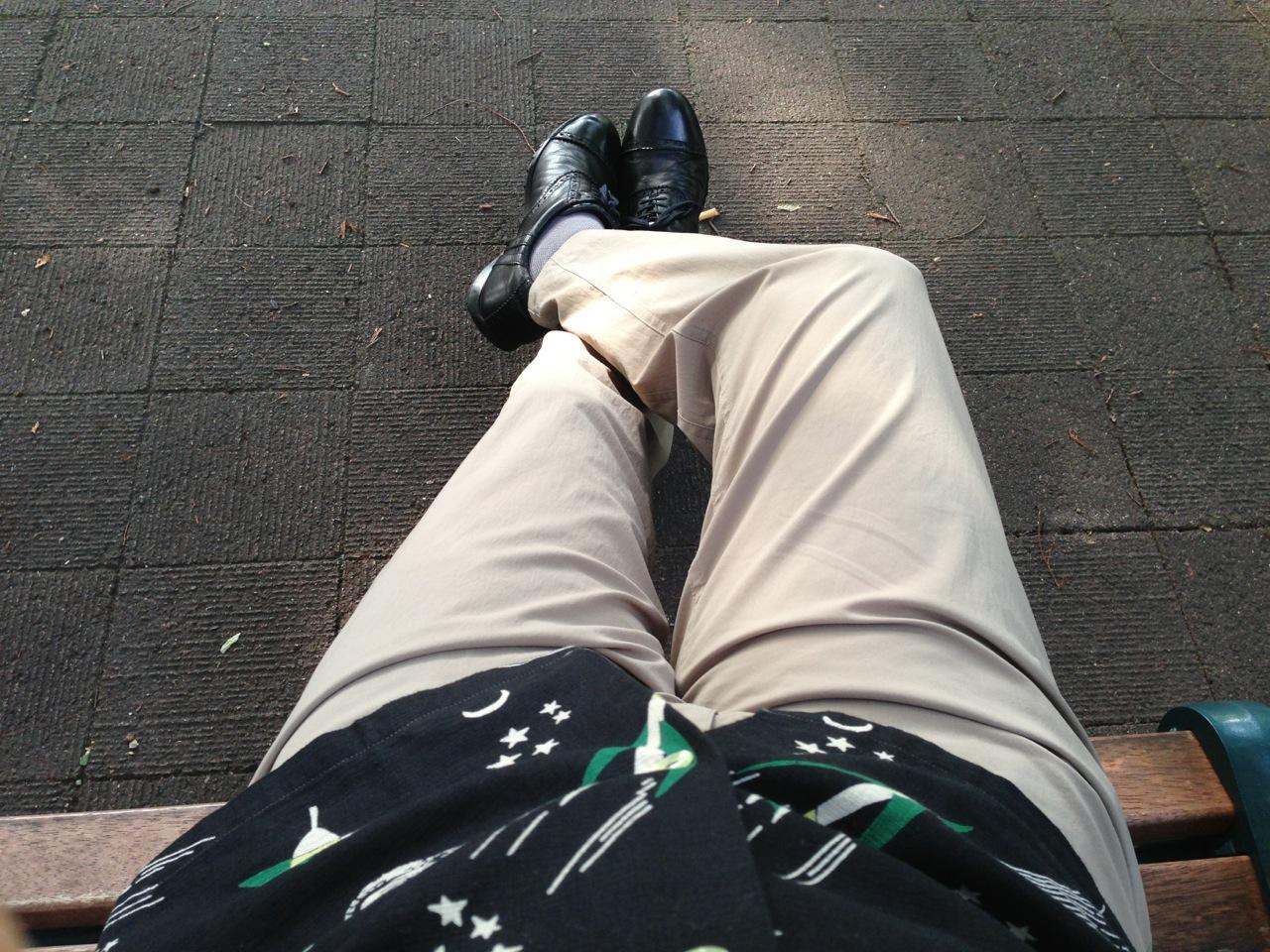 薄く涼しいズボンはアウトドアショップで