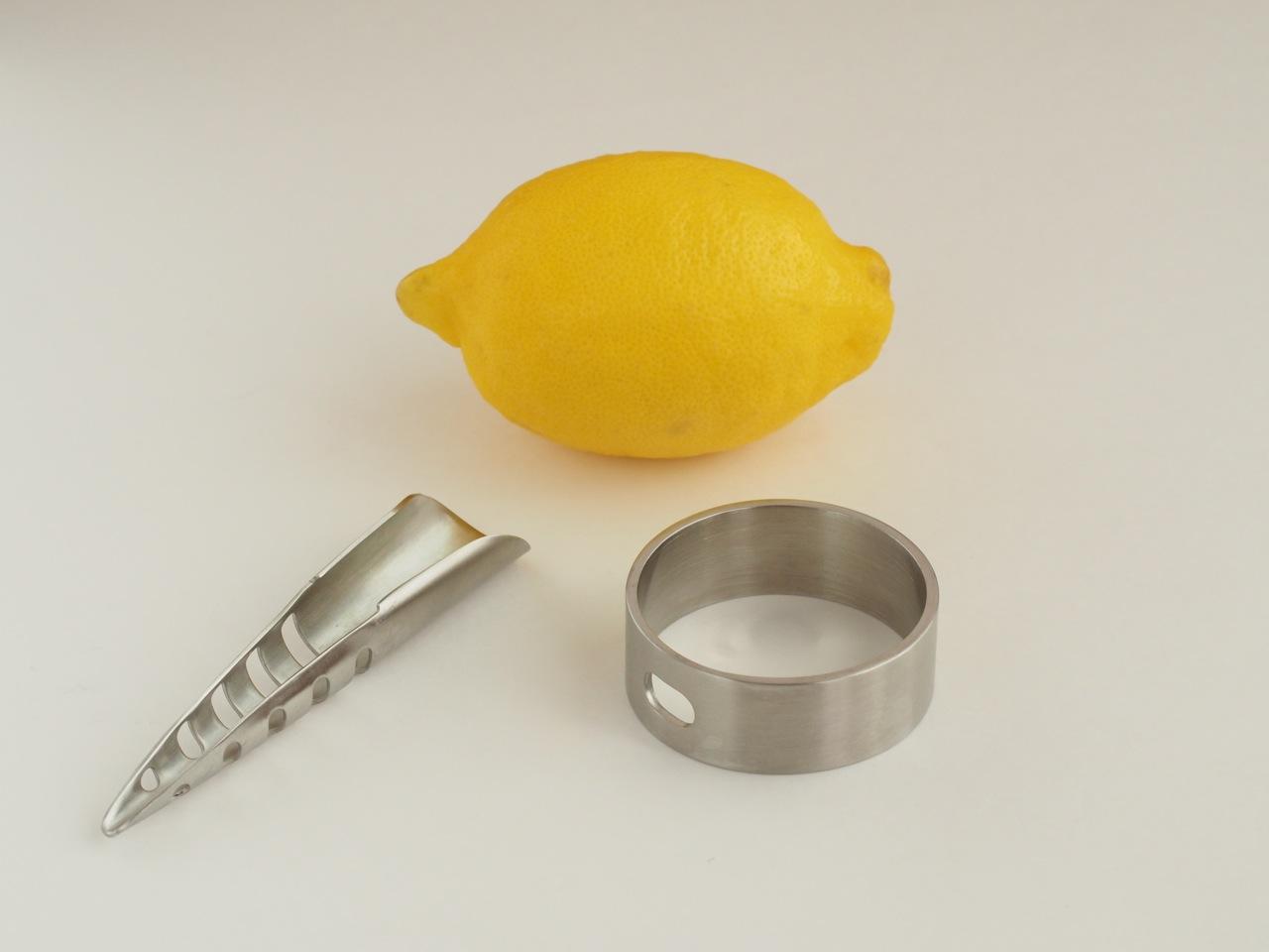 グッドデザインのレモン絞り器