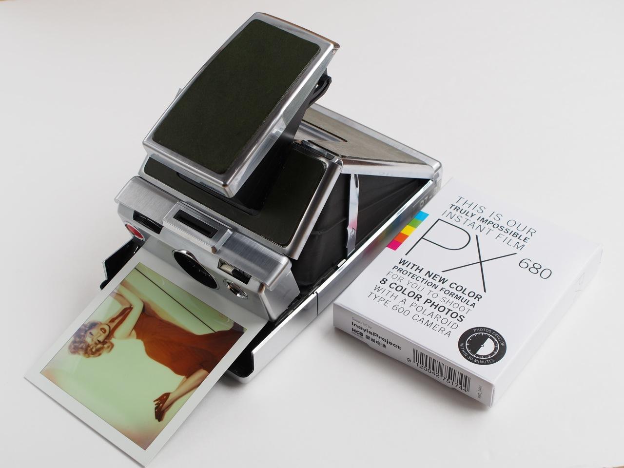 ポラロイド・アートのためのフィルムと道具