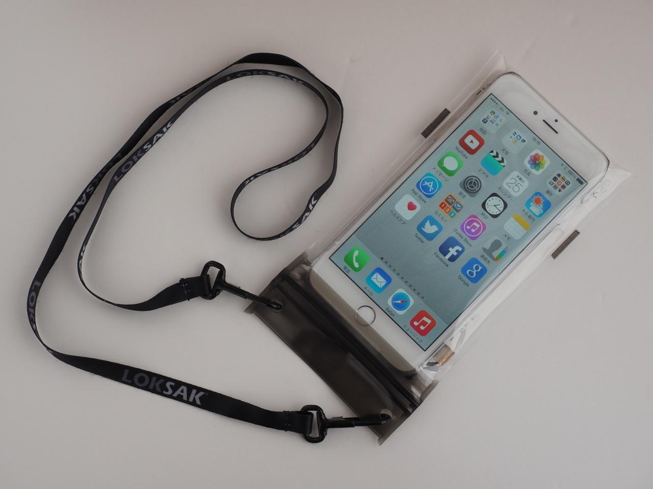 大きめスマートフォンの超軽量防水バッグ