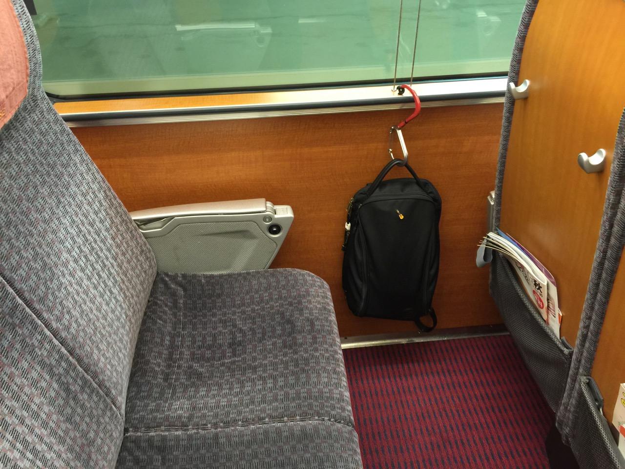 どこでもバッグをぶら下げられるカラビナフック