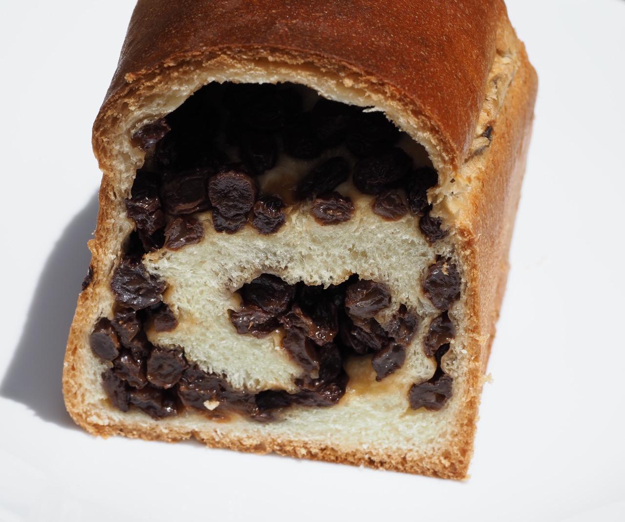 パンよりレーズンの方が多いぶどうパン