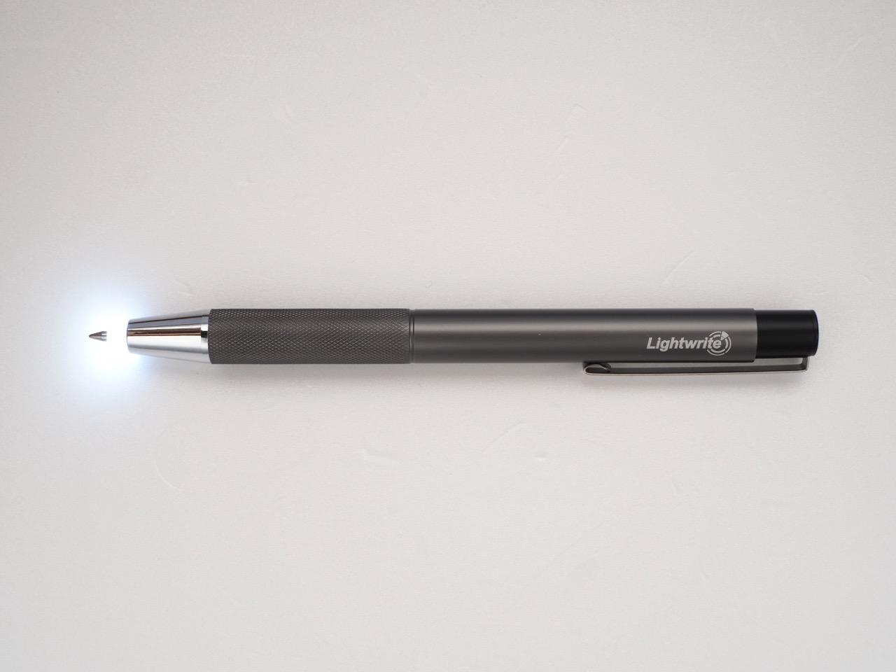 夜間用の筆記具、使い方はいろいろあります