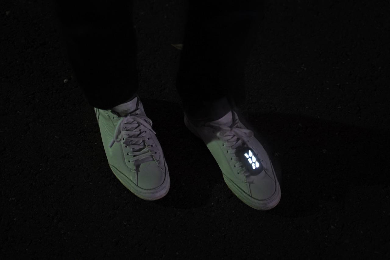 振動で光る夜道用のポジショニング・ライト