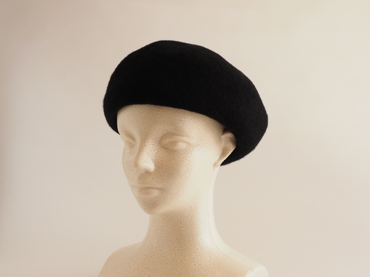 シニアに向いているベレー帽